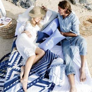 "New Beach People ""Escape"" Inflatable Beach Cushion"